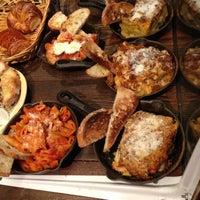 Foto tomada en Piccolo Cafe por Ian Addison H. el 10/25/2012