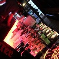 10/14/2013 tarihinde Ekrem E.ziyaretçi tarafından Pool Pub'de çekilen fotoğraf