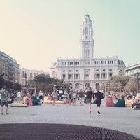 Foto tirada no(a) Avenida dos Aliados por Inês G. em 7/18/2013