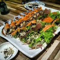 Foto tirada no(a) Cheri Sushi por Felipe L. em 10/25/2012