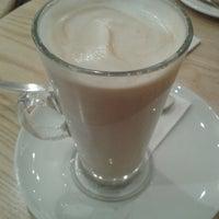 รูปภาพถ่ายที่ Costa Coffee โดย Natalie . เมื่อ 10/25/2013
