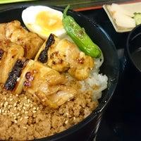 Photo taken at 丼・飯のとり屋 by teriyaki on 4/23/2015