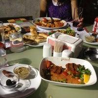 7/27/2012 tarihinde Eylem G.ziyaretçi tarafından Birsen Kebap & Pide &Yemek'de çekilen fotoğraf
