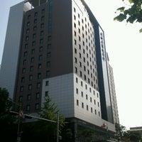Foto tirada no(a) Ibis Ambassador Hotel por Eldar I. em 7/8/2012