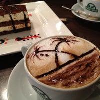 4/17/2013 tarihinde Mehmet U.ziyaretçi tarafından Edward's Coffee'de çekilen fotoğraf