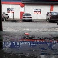 Photo taken at Autoglym Autoglaze Detailing Car Wash by Ifysak M. on 8/20/2017