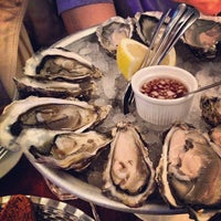 Photo taken at Wright Brothers Oyster & Porter House by Anuwat C. on 9/28/2012