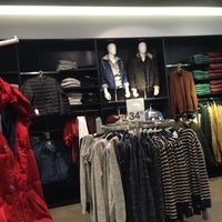 Photo taken at H&M by Zax H. on 11/10/2014