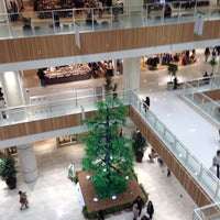 Photo taken at Grand Tree Musashikosugi by Toru S. on 11/28/2014