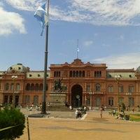 Foto tirada no(a) Plaza de Mayo por Sol Z. em 3/7/2013