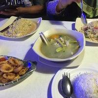 Photo taken at Juara Seafood by Farra D. on 11/4/2016