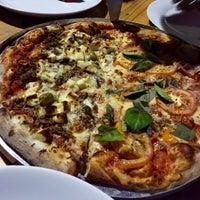 Photo taken at Republika Pizza e Pasta by Beatriz R. on 1/3/2016