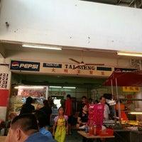 Photo taken at Kedai Kopi Tai Meng by Goeh Kok C. on 2/12/2013
