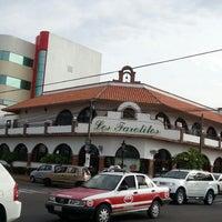 Das Foto wurde bei Los Farolitos von Miguel S. am 6/18/2013 aufgenommen