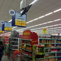 Photo taken at Supermercados Lopes by Marcelo F. on 3/28/2013