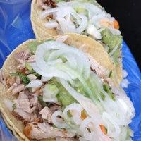Photo prise au Tacos Don Juan par Juan M. le11/9/2012
