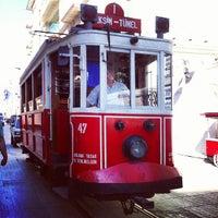 6/19/2013 tarihinde Ömer A.ziyaretçi tarafından Demirören İstiklal'de çekilen fotoğraf