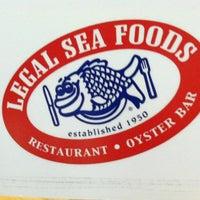 Foto tomada en Legal Sea Foods por Jess M. el 1/28/2013