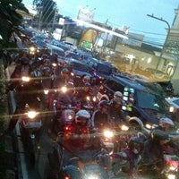 Photo taken at Halte TransJakarta Cawang Otista by Me_Rul_La R. on 4/17/2014