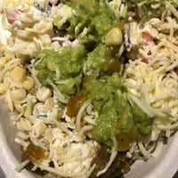 Photo taken at Chipotle Mexican Grill by Ir Bing Y. on 8/9/2017