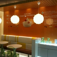 Photo taken at Pinkberry by Gustavo A. on 11/28/2012