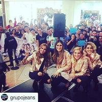 Photo taken at Librería Porrúa by Gerardo B. on 10/21/2016