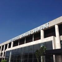 Photo taken at Rio de Janeiro Santos Dumont Airport (SDU) by hiroseki on 10/19/2013