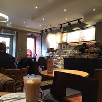 Foto scattata a Costa Coffee da Yevgen P. il 4/18/2014
