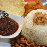 Photo taken at Assalam Malay and Indian Cuisine by aditya p. on 6/29/2016