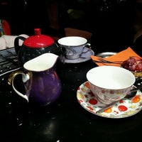 Photo taken at T2 Tea House by H. K. on 11/20/2012