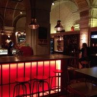 1/22/2013 tarihinde Krisztina E.ziyaretçi tarafından innio restaurant and bar'de çekilen fotoğraf