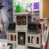 Photo taken at Bath & Body Works by Patricia K. on 10/8/2014