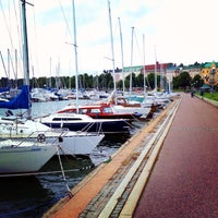 Das Foto wurde bei Kaisaniemenranta von Nihan am 8/31/2013 aufgenommen