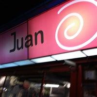 Foto tirada no(a) Juan Bisteces por Jorge V. em 3/21/2013