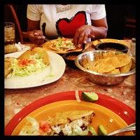Photo taken at Taqueria La Michoacana by Laiya S. on 4/2/2013