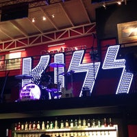 Photo taken at Rock & Brews by Lizbieth O. on 3/30/2013