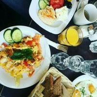 Photo taken at The Breakfast Club by 👑Nurgül . on 9/27/2016
