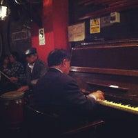 Foto tomada en Bar Munich por Laila E. el 11/4/2012