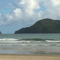 Photo taken at Praia de Juquehy by André Costa on 11/17/2012