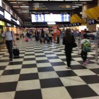 Foto tirada no(a) Check-in LATAM por Dany B. em 10/18/2012