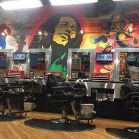 รูปภาพถ่ายที่ Jude's Barbershop โดย Alex L. เมื่อ 10/20/2016