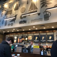 Das Foto wurde bei Starbucks von Alex L. am 1/17/2018 aufgenommen