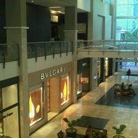 Foto tomada en Mall Multiplaza Pacific por Ivan P. el 1/12/2013