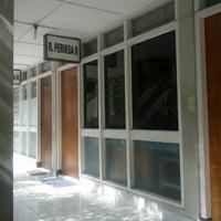 Photo taken at Klinik Hewan Kuningan FKH UGM by Nadia Prima W on 2/15/2013