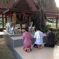 Photo taken at วัดลานนา by Banchakarn W. on 11/8/2014