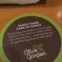 Foto tomada en Olive Garden por JC O. el 6/14/2017