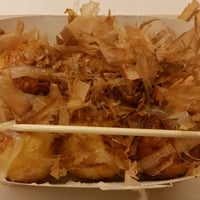 Photo taken at 大阪町 拱北囗岸购物广场店 by かわたく on 11/16/2014