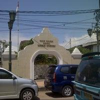 Photo taken at Makam Pangeran Diponegoro by Ronny I. on 11/20/2012