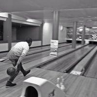 Foto tirada no(a) Bowling Bar por Bruno A. em 10/26/2013