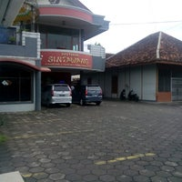 Photo taken at Sintawang Seafood Restaurant by Hendro m. on 10/24/2016